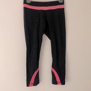 Lululemon Size 6 bright pink details
